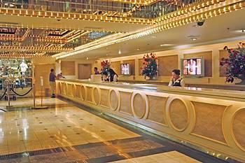 Four Queens Hotel And Lobby