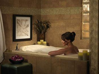 new york new york hotel vegas. Black Bedroom Furniture Sets. Home Design Ideas